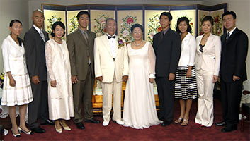 Rev. Moon and his children 120 country speaking tour